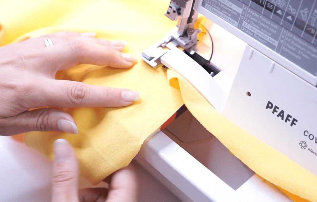 endlos Schrägband mit der Overlock schneiden | einfach nähen